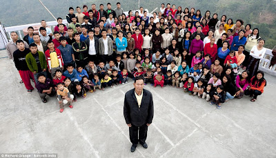 keluarga terbesar di dunia Keluarga Terbesar di Dunia, Punya 39 Istri 94 Anak dan 33 Cucu