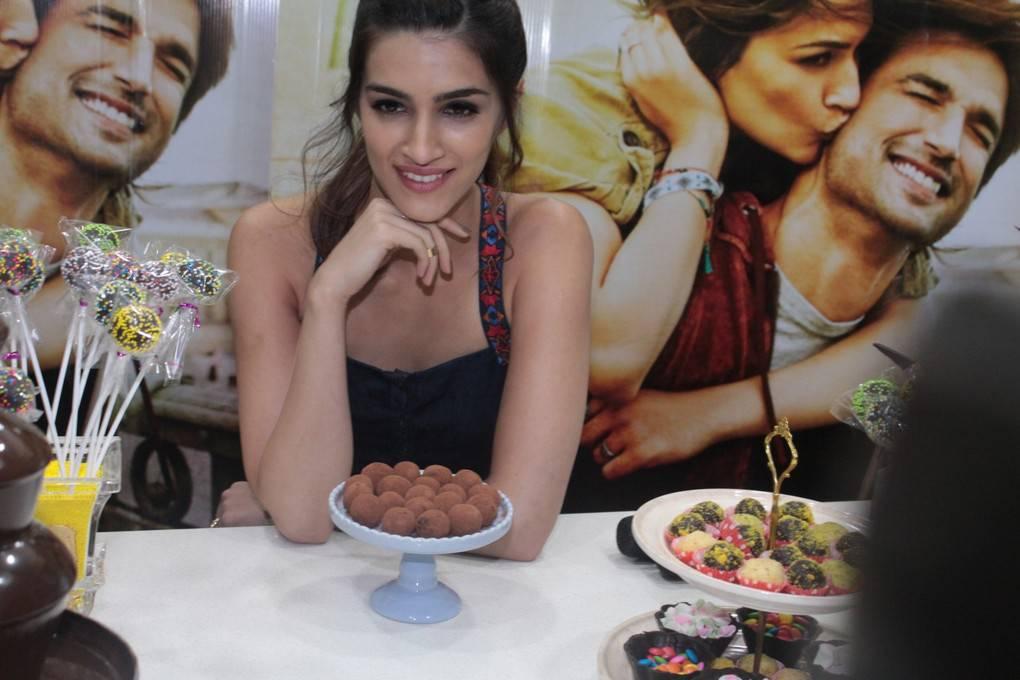 Kriti Sanon At Chocolate Making Session Stills