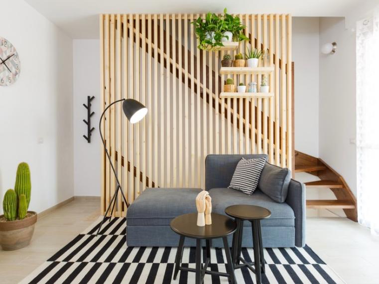 contoh Pembatas Ruang Untuk Rumah Minimalis dari kayu