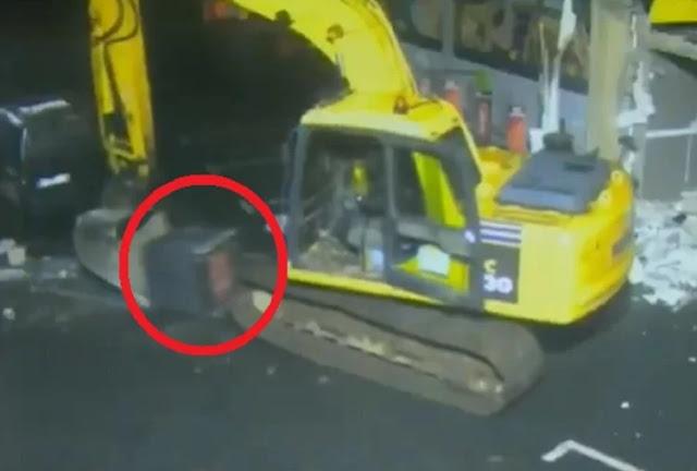 वीडियो में देखें दुनिया की सबसे अनोखी चोरी