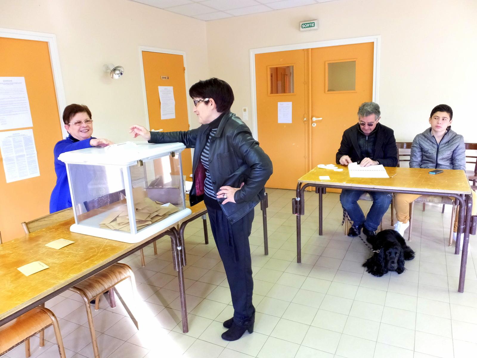 Voce di rutali la suite le bureau de vote à heures