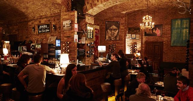 Bar Doblo, Budapeste