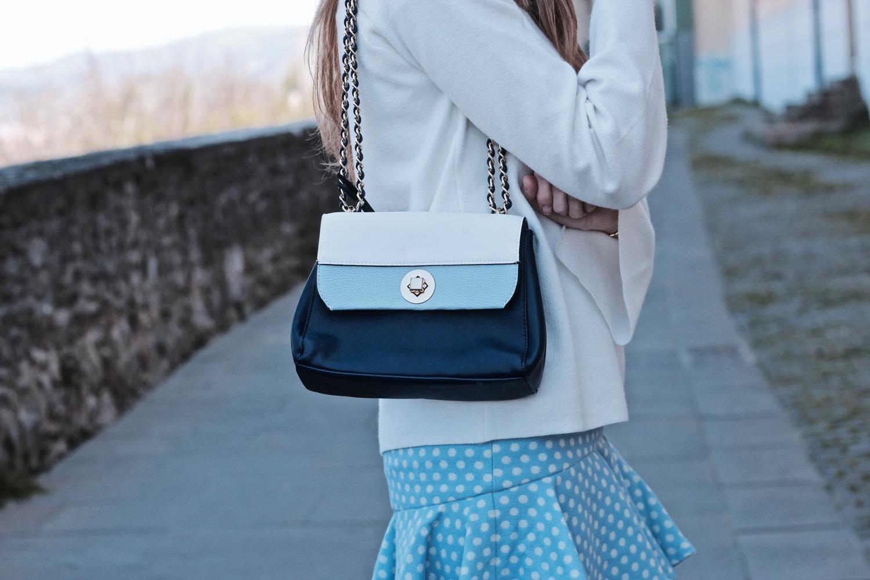 bolso en tonos azules