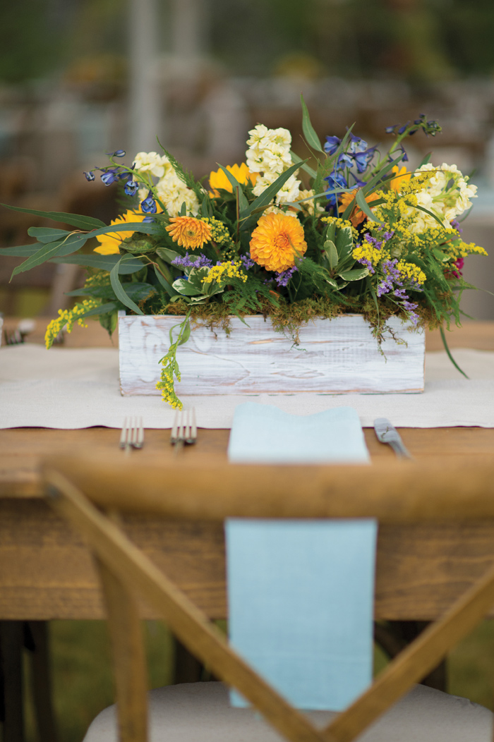 Montana Wedding / Yellow and Purple Flowers / Rustic / Photography: Amelia Anne Photography / Planning & Flowers: Katalin Green