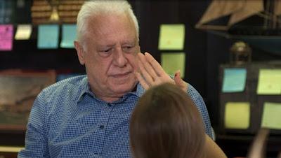 Alberto em cena da novela das 19h, Bom Sucesso (Foto: Reprodução)