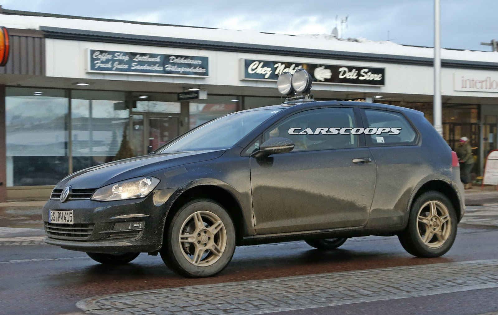 2018 vw polo based suv mule spotted out in the wild carscoops. Black Bedroom Furniture Sets. Home Design Ideas