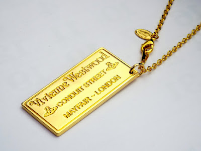 Vivienne Westwood ヴィヴィアンウエストウッド プラークペンダント ゴールド