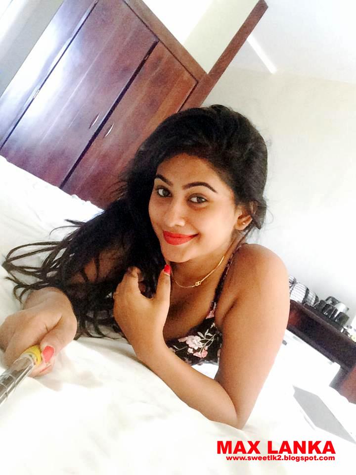 Piumi Hansamali Romantic Selfie Photo Shoot In Room  Sri -4258