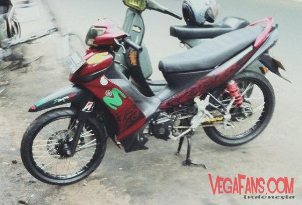 Foto Modifikasi Vega ZR Merah Super Moto