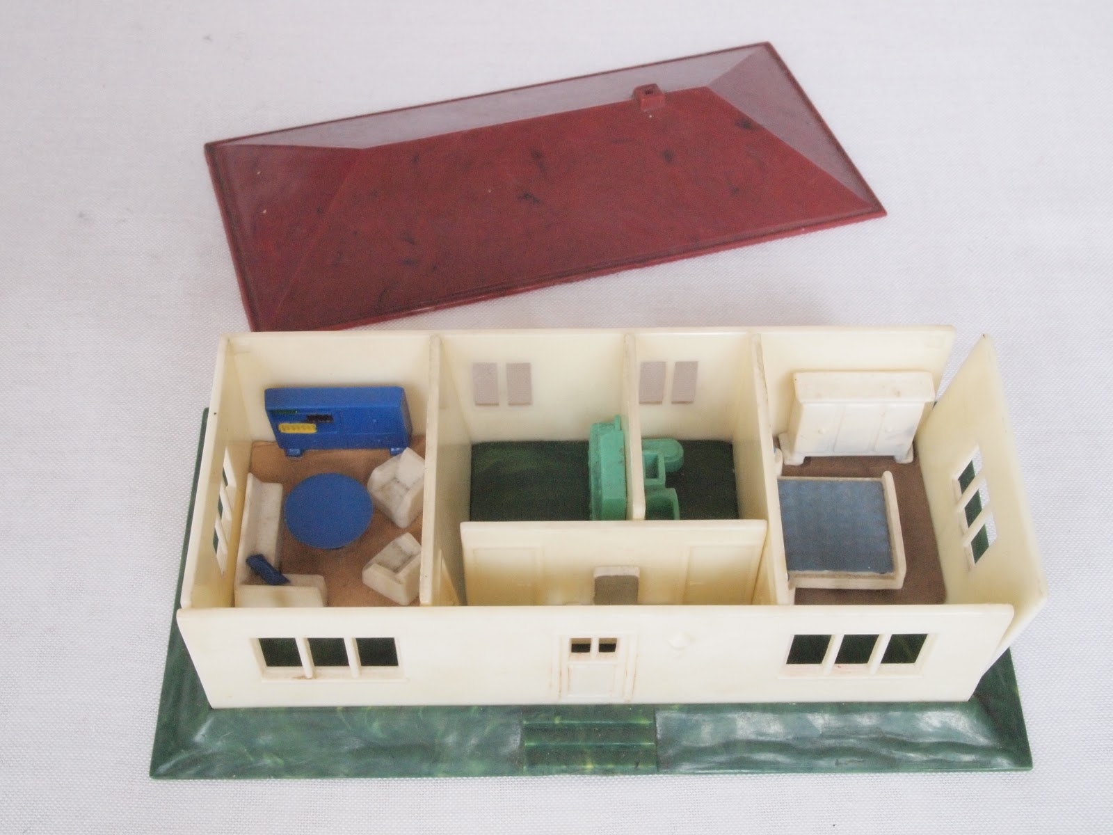 diePuppenstubensammlerin: Miniatur Haus - 1951 Wiking - Miniature house