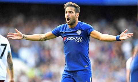 Fabregas chính thức khoác áo đội tuyển Chelsea