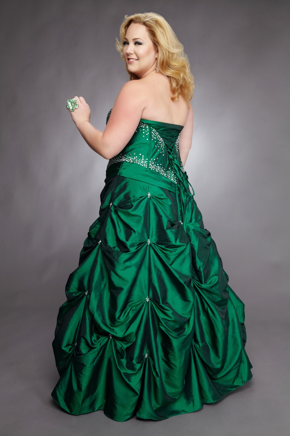 WhiteAzalea Ball Gowns: Tips for Plus Size Ball Gowns
