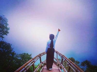 Foto Gardu Pandang Wisata Wanagiri Hidden Hills Bedugul