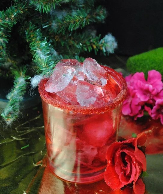 The Beauty and The Beast Rose Cocktail #themedrink #cocktails