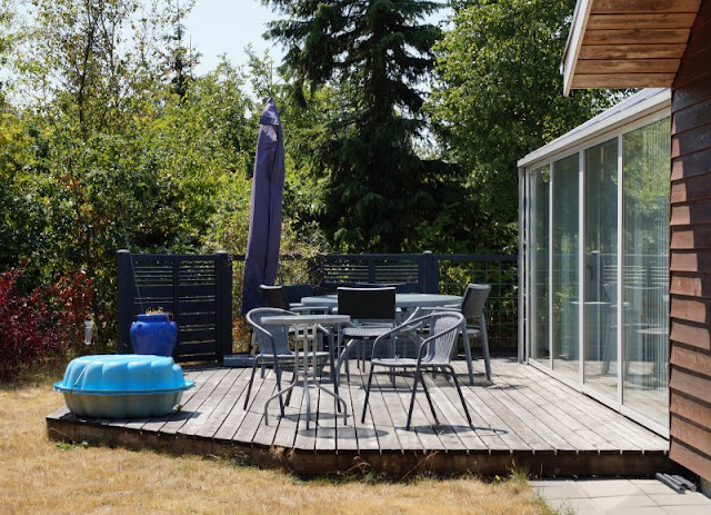 Ferienhaus-Urlaub mit Abwechslung: Ein Ferienhaus mit Aussicht und eins in der Idylle. Die Natur und die Terrassen rund ums Ferienhaus haben wir genossen.