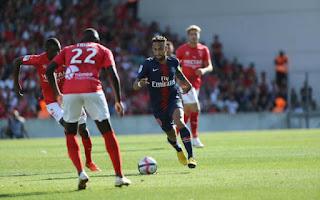 Video Nimes - PSG: Điên rồ 6 bàn thắng và 2 thẻ đỏ