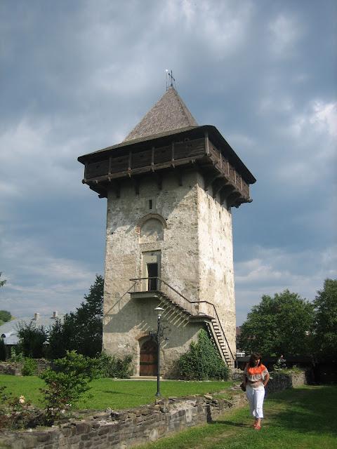 Torre del Monasterio Humor