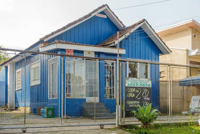 """Uma casa de madeira chamada """"Vila América"""""""