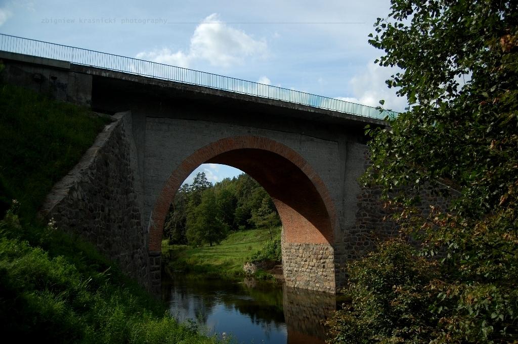 <i>Stawka większa niż życie</i> - o filmowym moście na rzece Wadąg