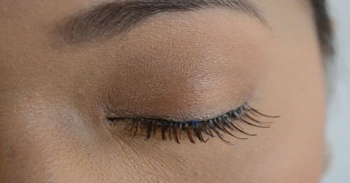 Remedies For Growing A Naturally Thicker And Longer Eyelashes