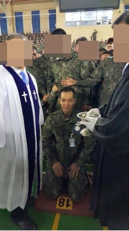 Lee Seung Gi lộ mái đầu hói trong quân ngũ