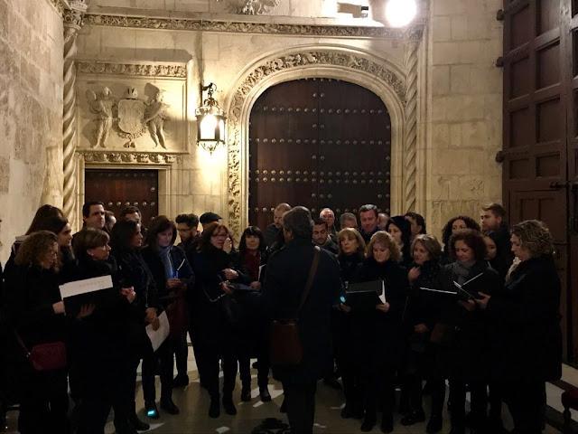 http://www.esvalverde.com/2017/12/concierto-de-la-coral-en-sevilla.html