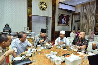 Walikota Jambi Buka Puasa Bersama Peserta Raker Komisi Informasi se-Sumatera