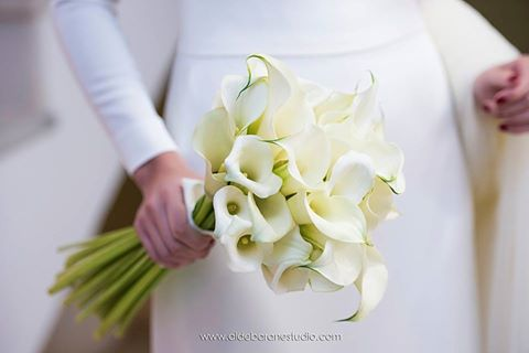 ramo de novia de tipo tallo largo
