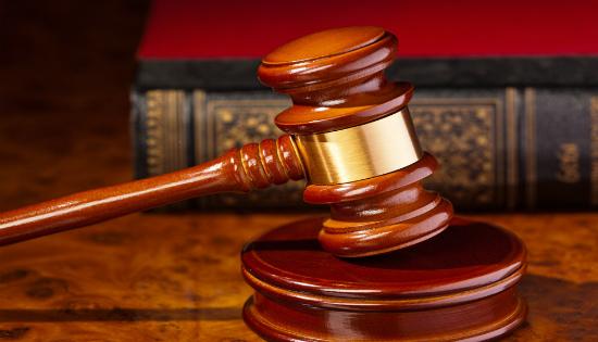 القرار غير المُنْهِي للخصومة يكون لدى المحكمة الابتدائية