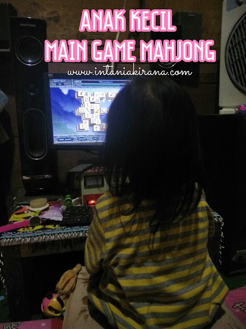 Anak Kecil Main Game Mahjong