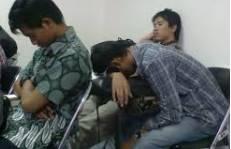 perhatikan teman yang ngantuk