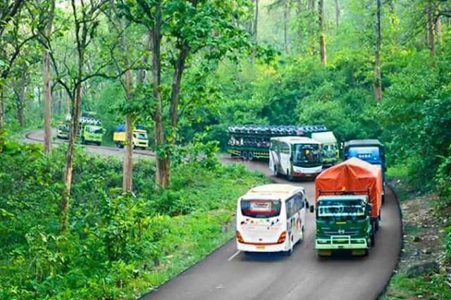 http://www.kabarviralpedia.com/2017/04/alas-roban-jalur-paling-angker-di-jateng.html