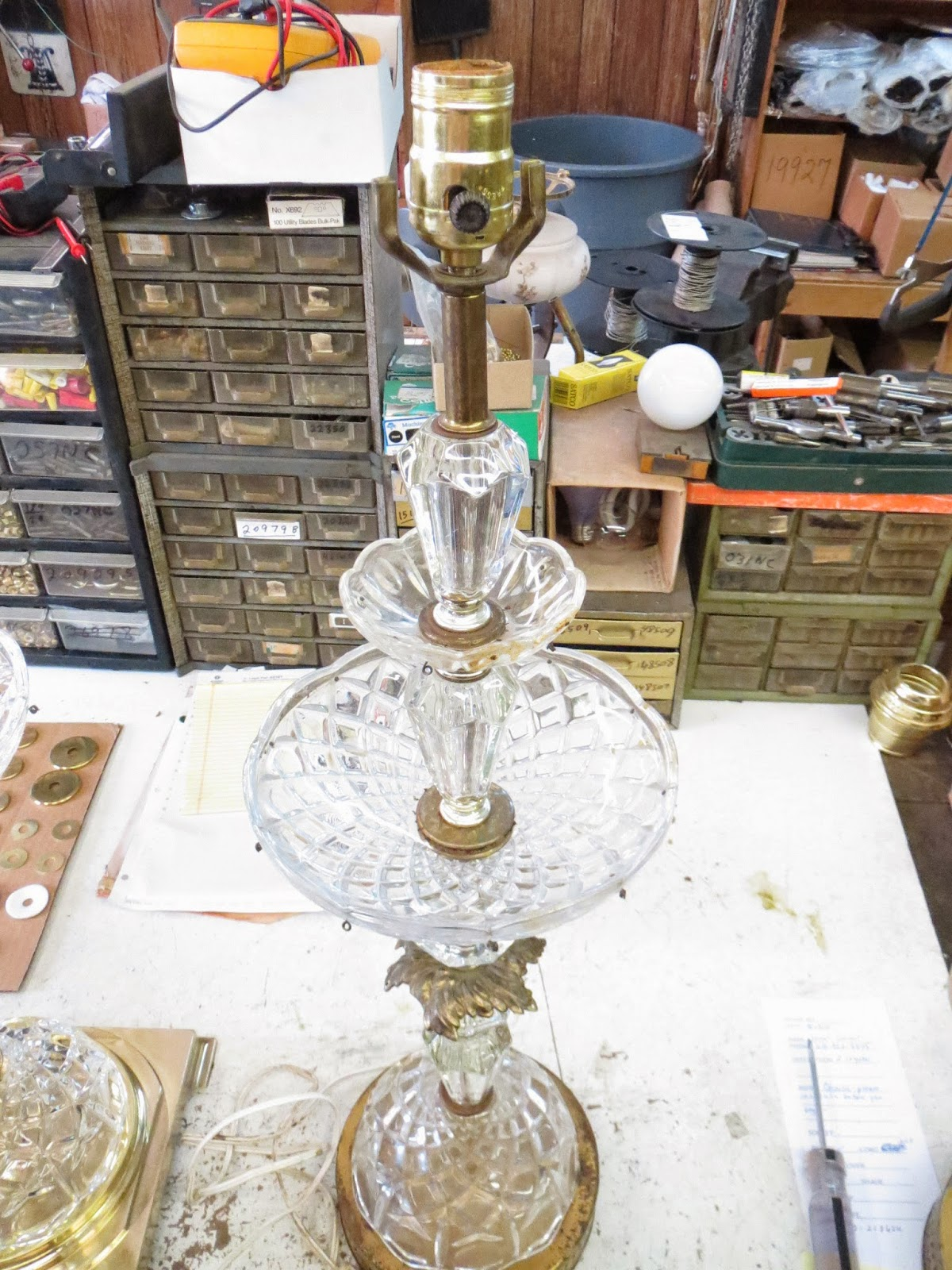 Solid Brass Will Not Rust; It Will Turn In Color. Some Of The Parts On  These Lamps Are Brass Plated (steel) Or Plastic With Brass Color.
