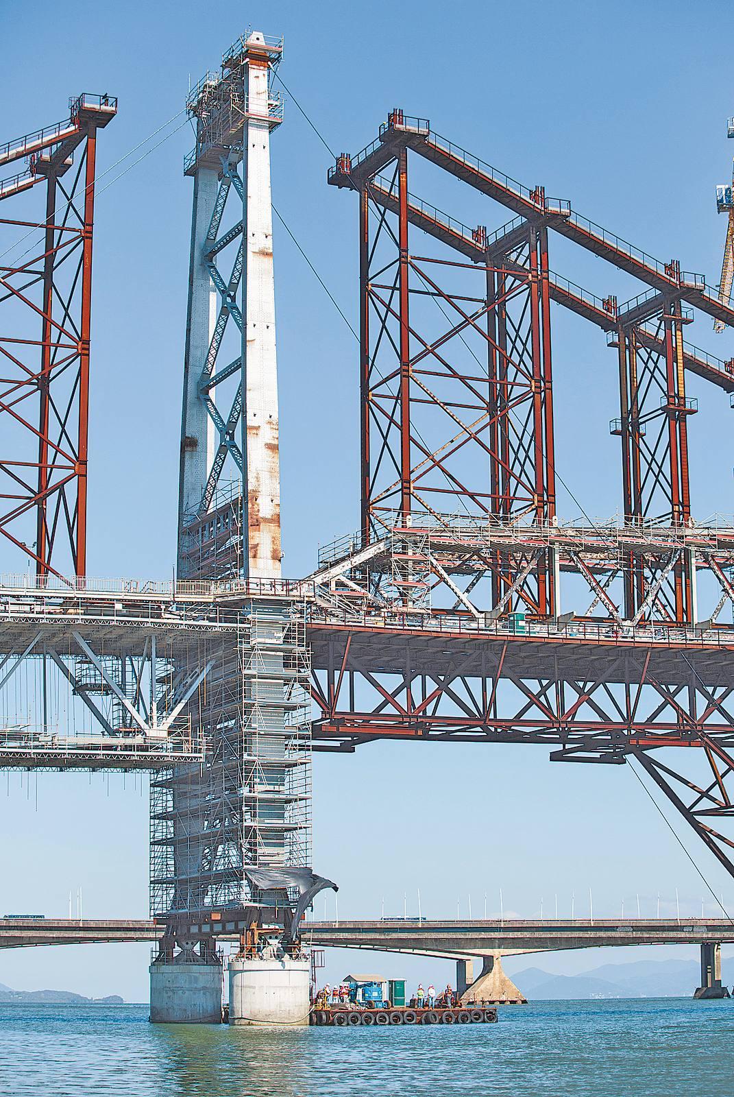 Restauração da ponte, interditada totalmente em julho de 1991, já consumiu R$ 740 milhões – Daniel Queiroz/ND