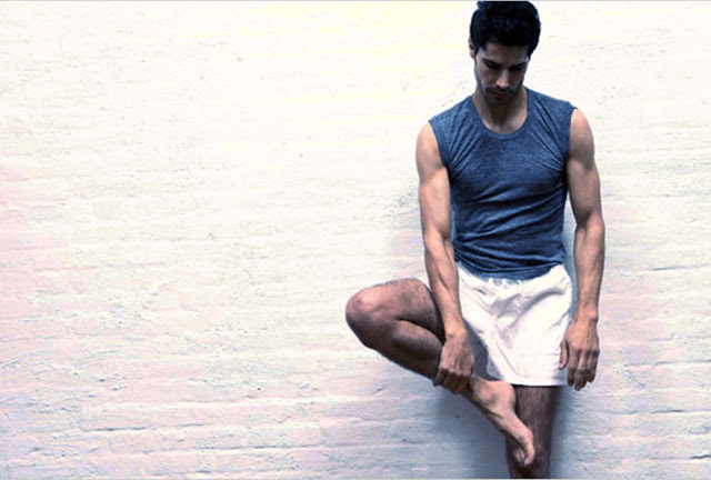 LogoSportswear, men's yoga outfit, things to consider in men's yoga outfit, yoga,