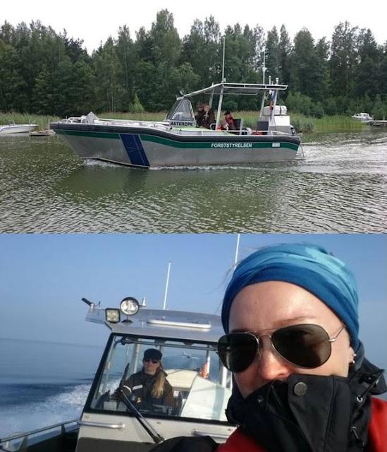 Yläkuvassa moottorivene, alakuvassa selfie moottoriveneen ja sen kipparin kanssa