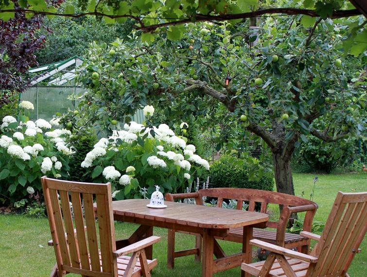 Gartendeko-Blog: Ein Reihenhausgarten im Landhausstil