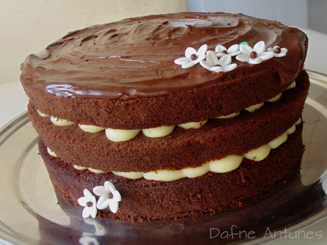 Naked cake de chocolate