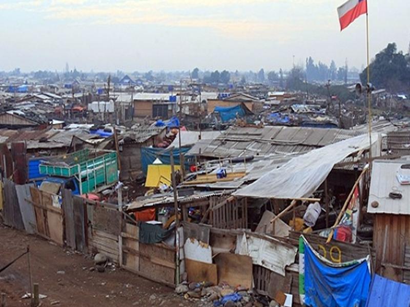 Aumentan en Chile campamentos de familias sin hogar