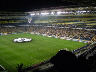 gece dolu stad derby maçı