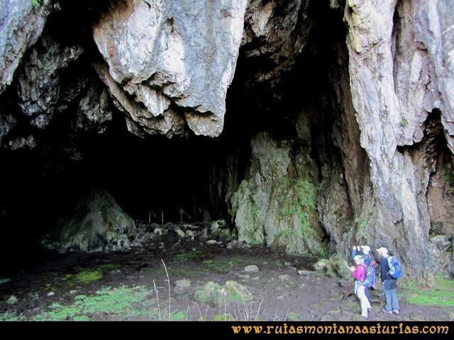 Ruta Linares, La Loral, Buey Muerto, Cuevallagar: Interior de Cuevallagar.