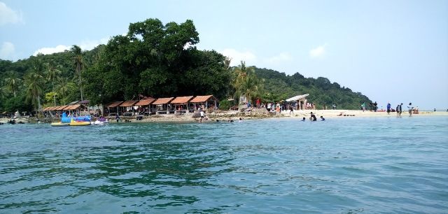 Provinsi Lampung mempunyai teluk yang besar yakni Teluk Lampung Menjelajah 5 Pulau Cantik di Teluk Lampung