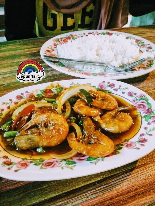 Dinner di Seashell Laman Padi bertukar ke Selera Lubuk Buaya, Langkawi
