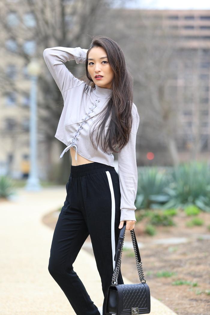 korean blogger wears track pants