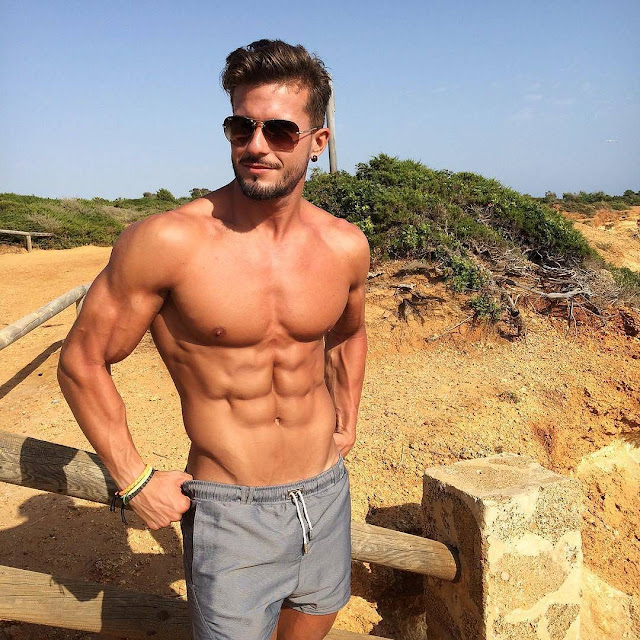 Hot guy Antonio Pozo
