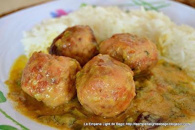 http://laempanalightdebego.blogspot.com.es/2016/05/albondigas-de-pollo-en-salsa-de-coco-al.html