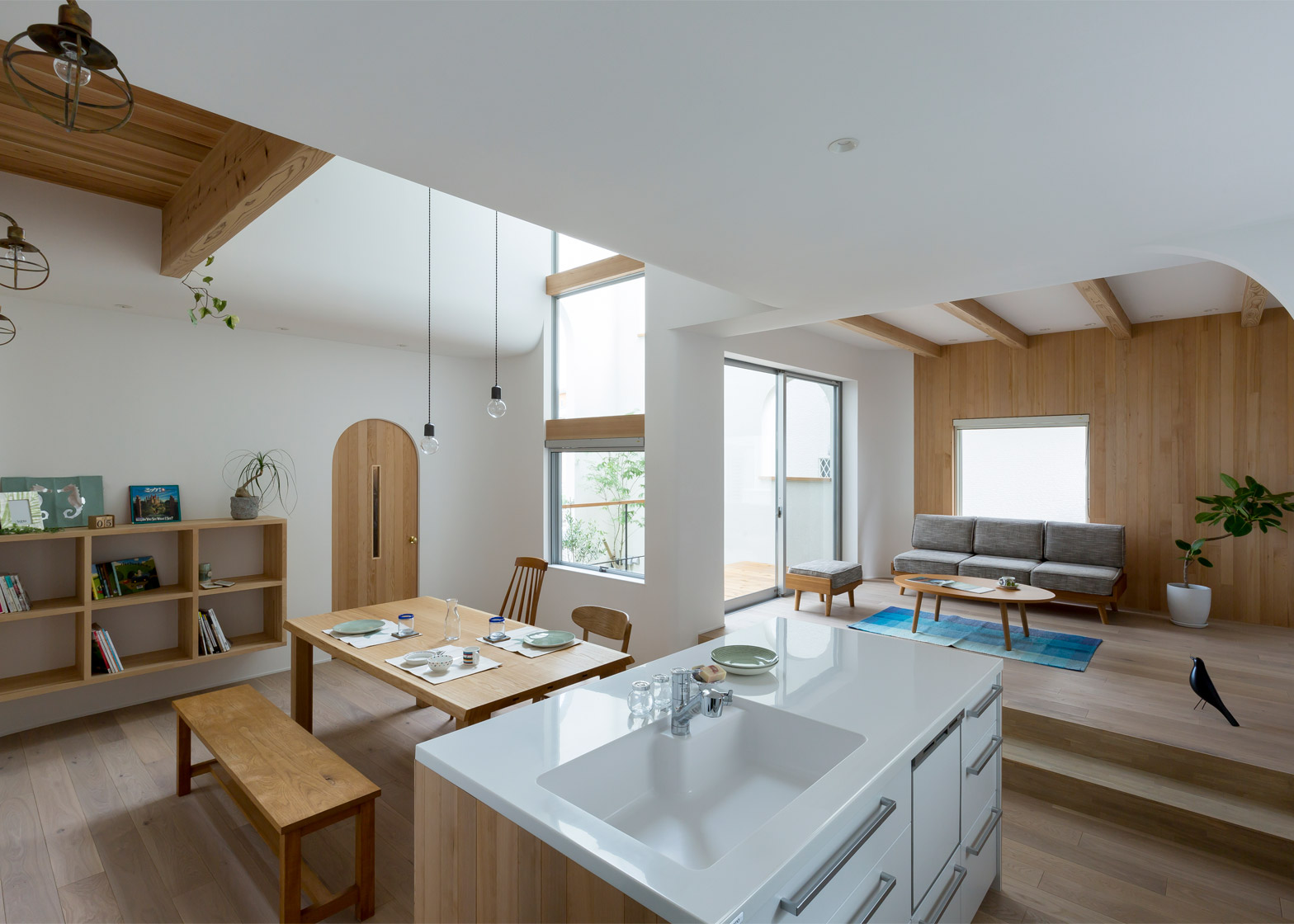 Casa In Giappone Con Dettagli Architettonici E Arredi Curvi By Alts