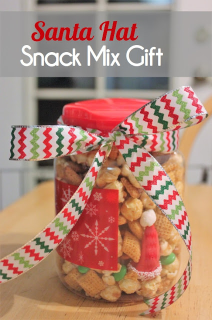 Santa Hat Snack Mix from Clearwater Cottage