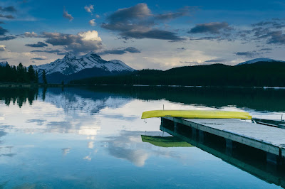 boat-kayak-lake-landscape-mountain-nature