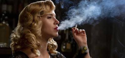 Mel Lisboa em imagem de Coisa Mais Linda: drama é vítima do modelo da Netflix de disponibilizar séries
